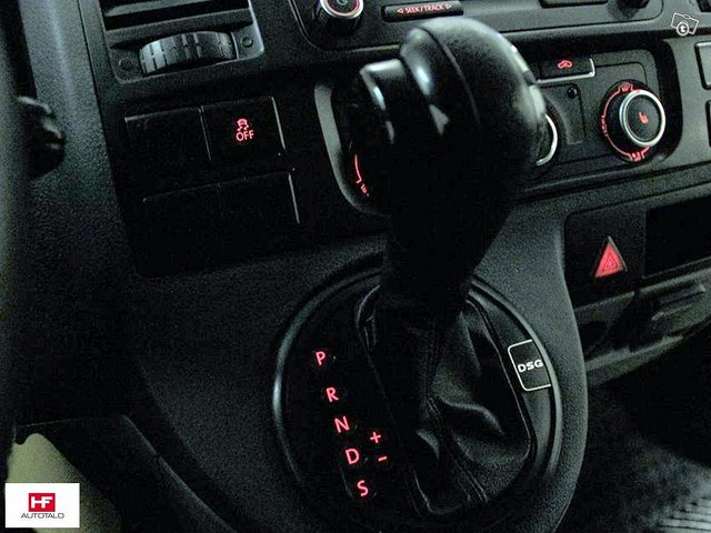 Volkswagen Transporter 12