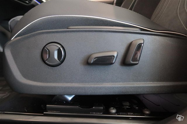 Volkswagen ID.4 9