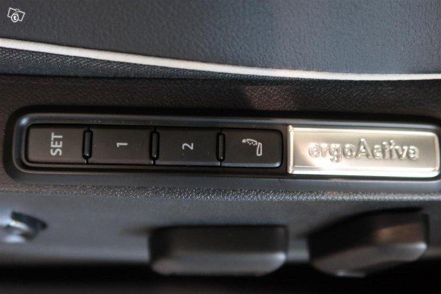Volkswagen ID.4 10
