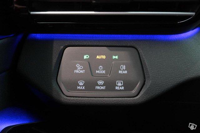 Volkswagen ID.4 12