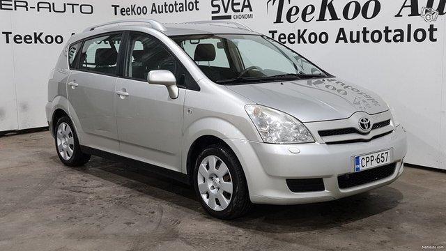 Toyota Corolla Verso 2