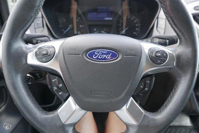 Ford Transit Custom 10