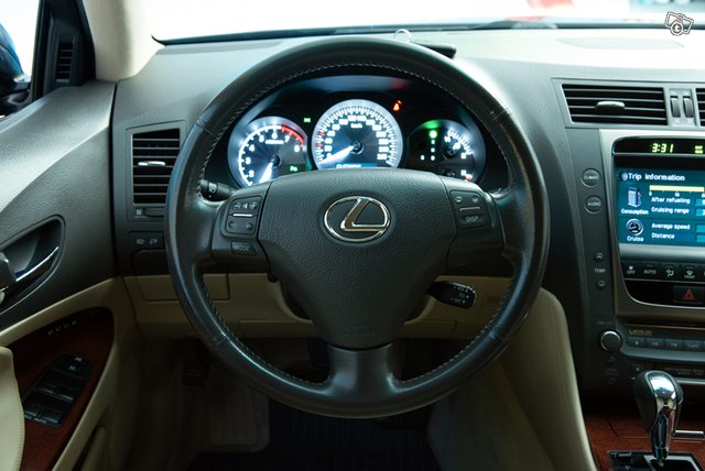 Lexus GS300 13