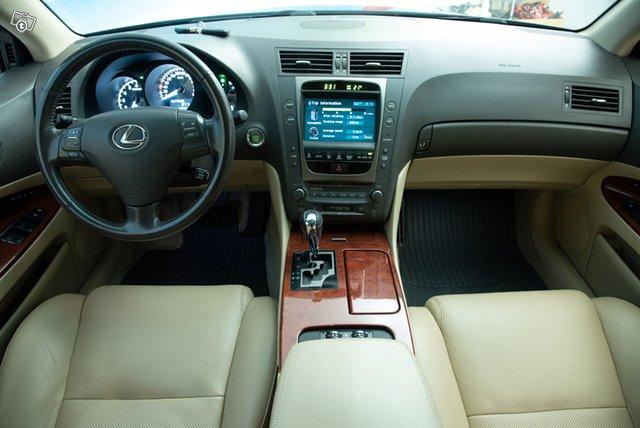 Lexus GS300 16
