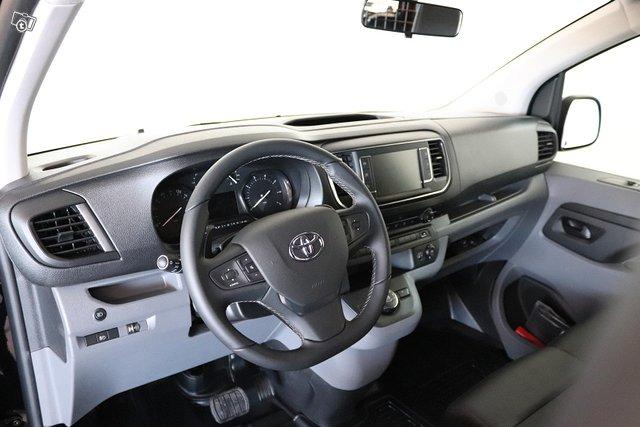 Toyota PROACE 9