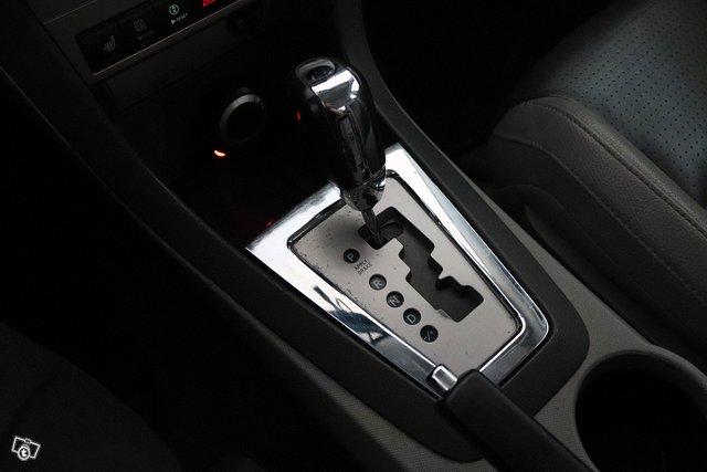 Dodge Avenger 16