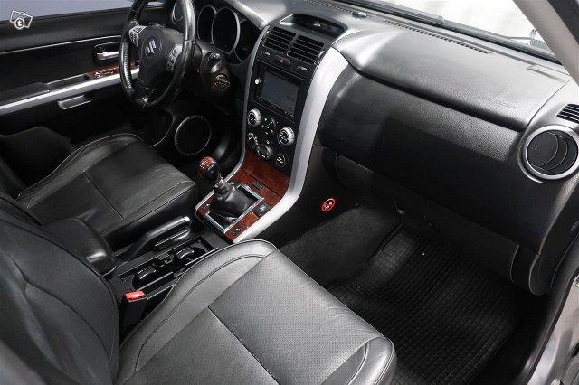 Suzuki Grand Vitara 12