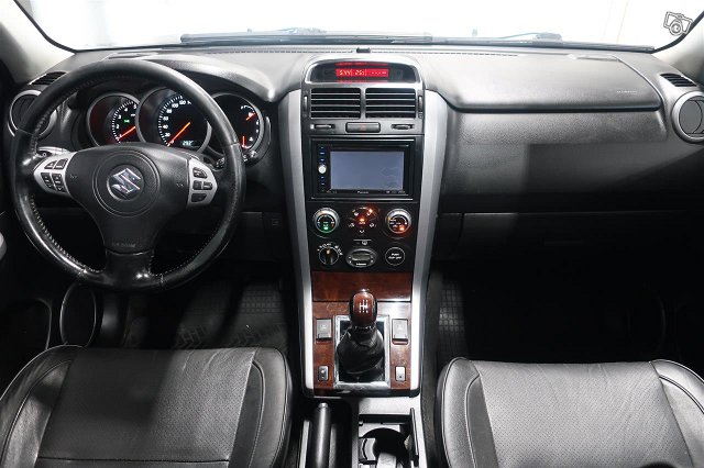 Suzuki Grand Vitara 14