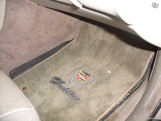 Cadillac Seville 6