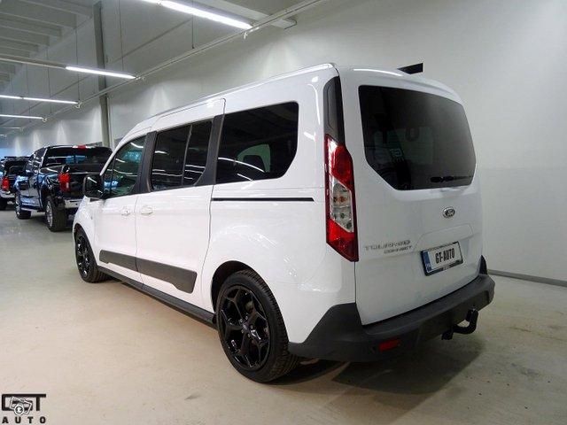Ford Grand Tourneo Connect 3