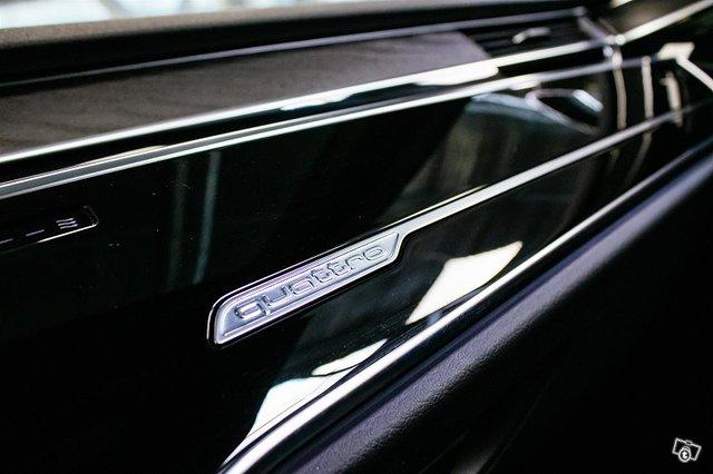 Audi A8 18