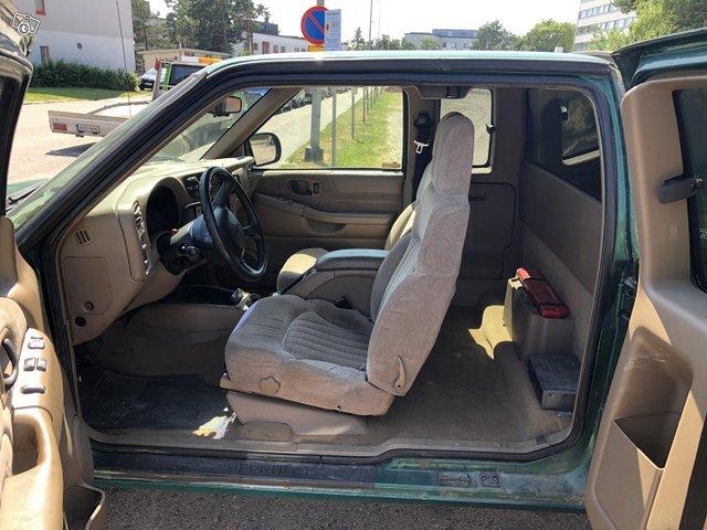 Chevrolet Pickup 9
