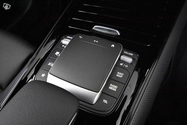 Mercedes-Benz GLB 16