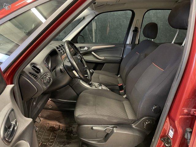 Ford Galaxy 8