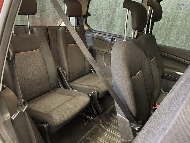 Ford Galaxy 12