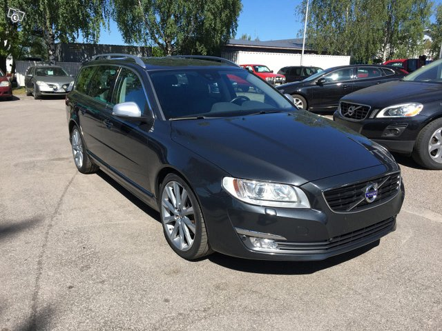 Volvo V70 D3 A BUSINESS *MYYTY*