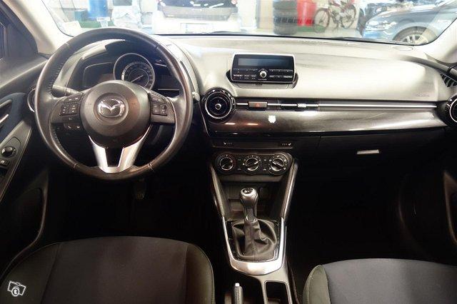 Mazda Mazda2 8