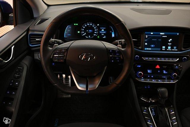 Hyundai IONIQ Plug-in 15