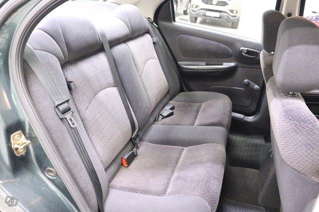 Chrysler Neon 9