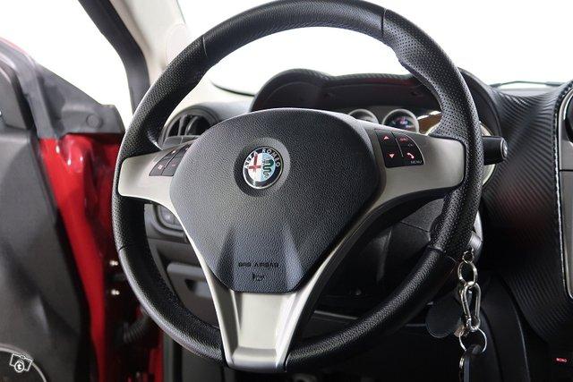 Alfa Romeo Mito 8