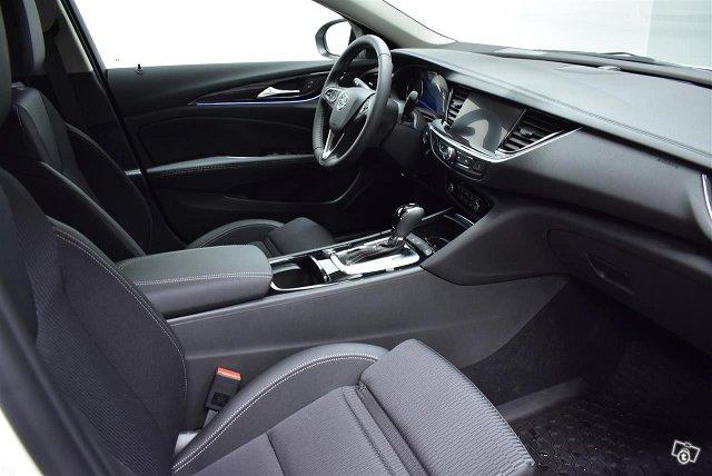 Opel Insignia 13