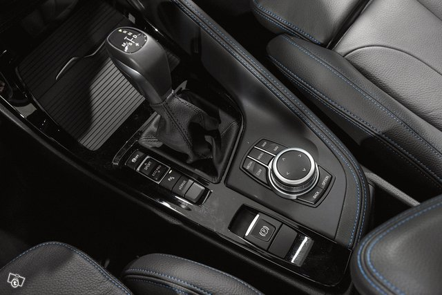 BMW X2 21