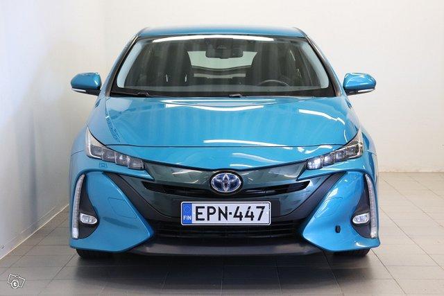 Toyota Prius Plug-in 2