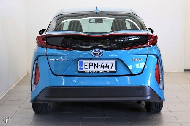 Toyota Prius Plug-in 4