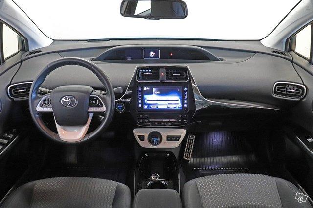 Toyota Prius Plug-in 7