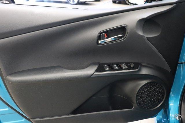 Toyota Prius Plug-in 11