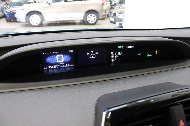 Toyota Prius Plug-in 12