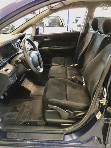 Honda FR-V 10