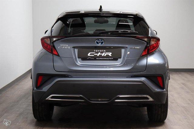 Toyota C-HR 4
