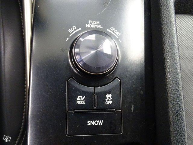 Lexus IS 23