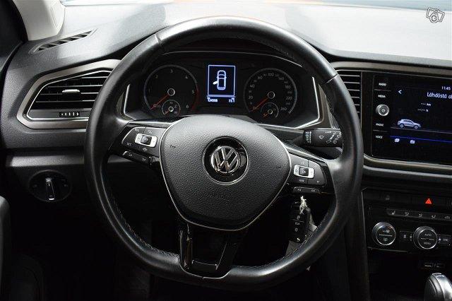 Volkswagen T-Roc 9