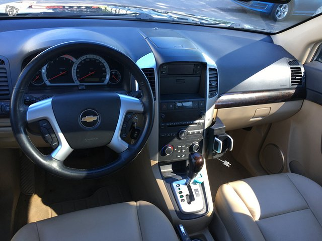 Chevrolet Captiva 2.0TDi AWD 7-Paikkainen 8
