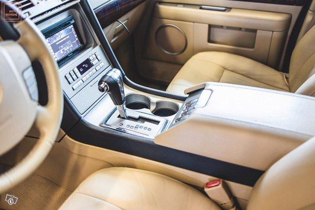 Lincoln Navigator 22