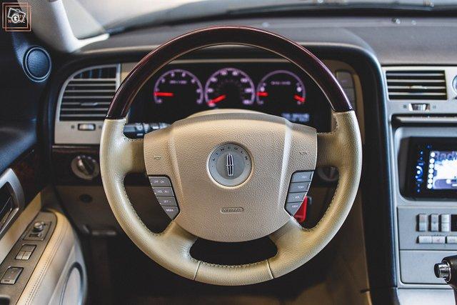 Lincoln Navigator 24