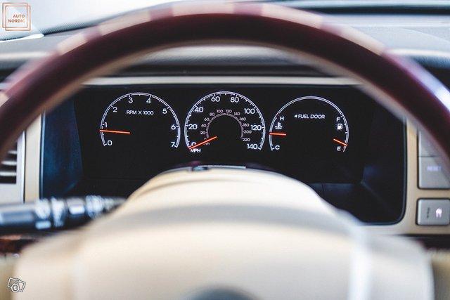 Lincoln Navigator 25
