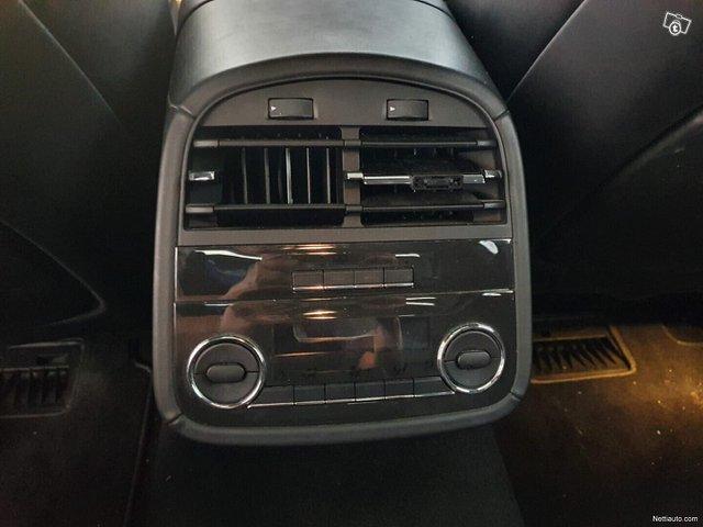 Maserati Quattroporte 11
