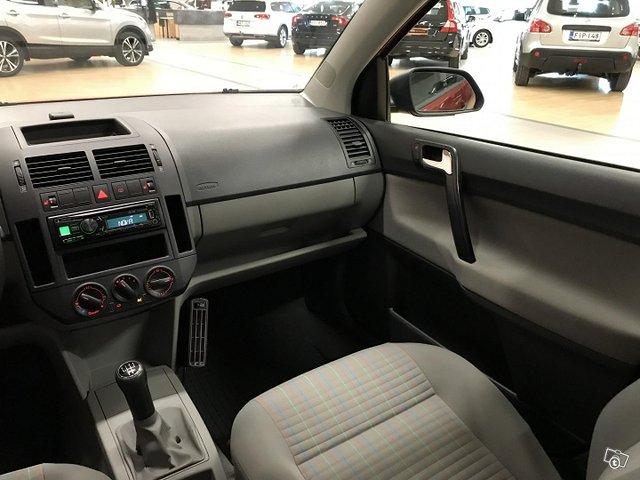 Volkswagen Polo 13