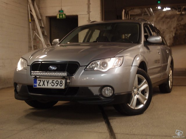 Subaru Legacy 18
