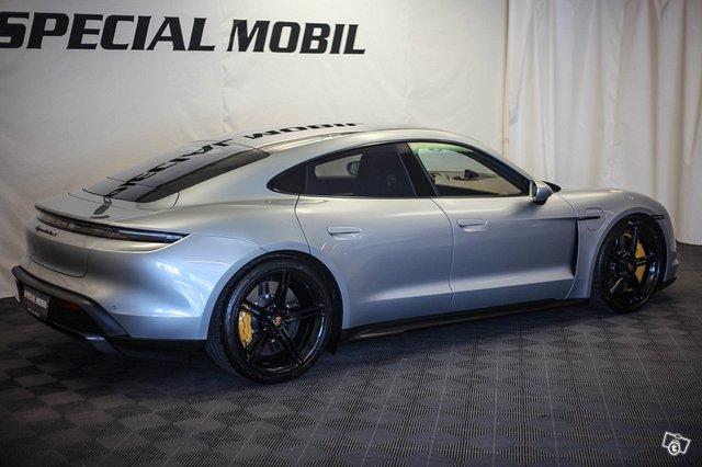 Porsche Taycan 3