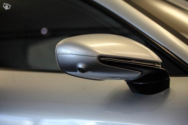 Porsche Taycan 25