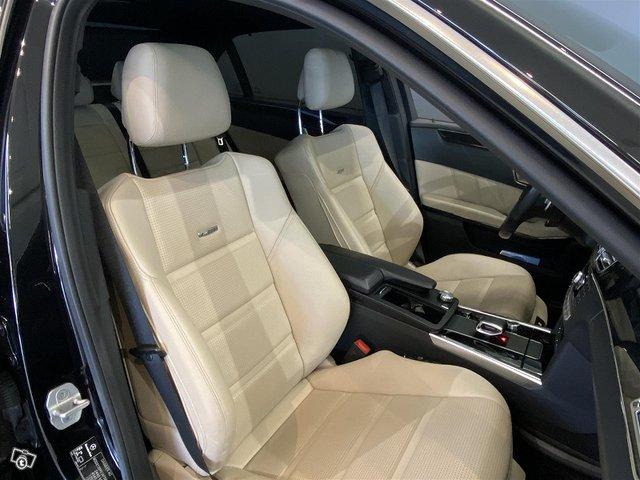 Mercedes-Benz E 63 AMG 9