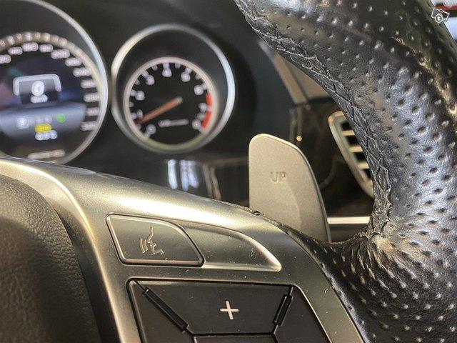 Mercedes-Benz E 63 AMG 18