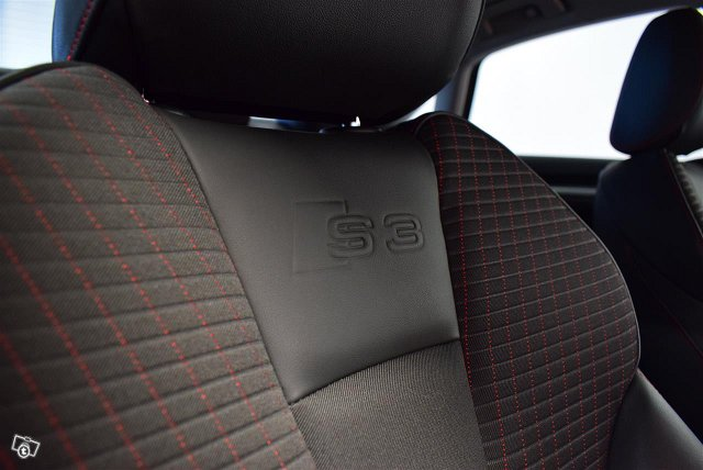 AUDI S3 10
