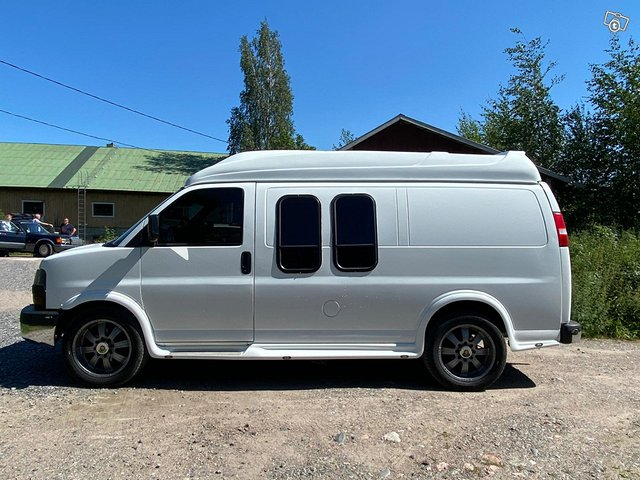 Chevrolet Van 2500 3