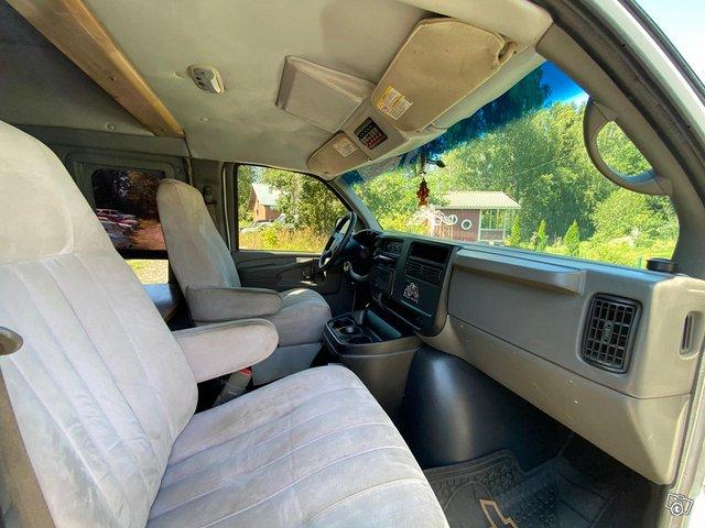 Chevrolet Van 2500 5