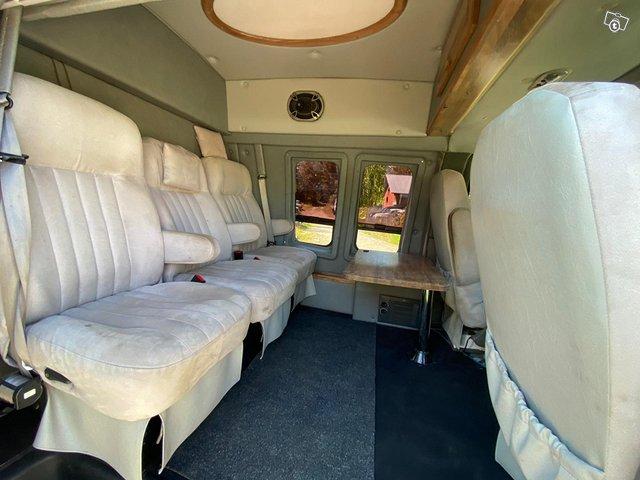 Chevrolet Van 2500 6
